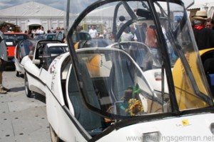 The electric cars in front of Hall 1 at the Hessentag in Oberursel