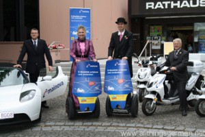 The Hessentagspaar take delivery of their Segways