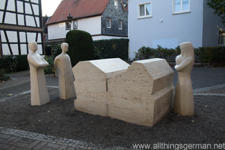 The new victims' memorial in the Strackgasse in Oberursel