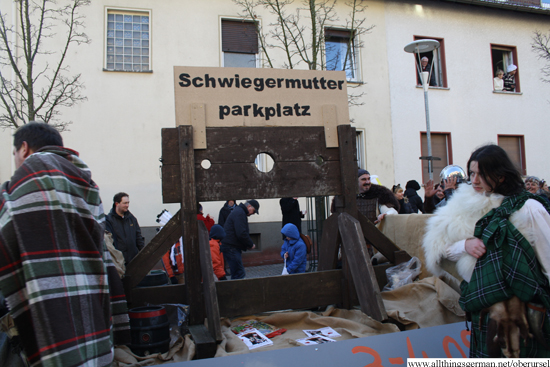 Schwiegermutterparkplatz - Mother-in-law parking space