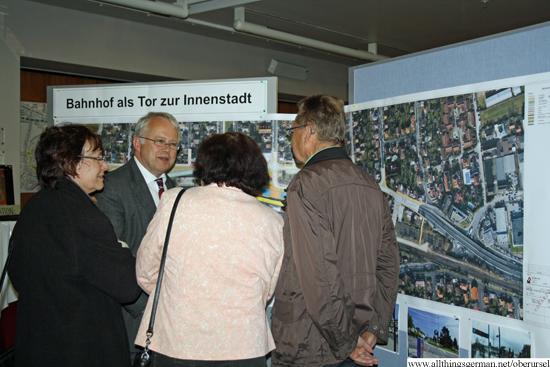 http://www.allthingsgerman.net/oberursel/wp-content/uploads/2013/04/buergerversammlung-bahnhofsareal-5.jpg