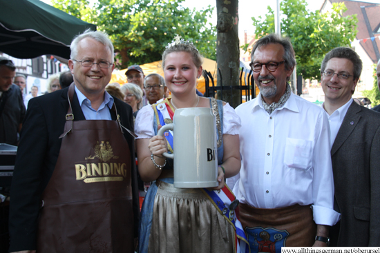 Mayor Hans-Georg Brum with Carolyn II, Harald Pratt and Alderman Christof Funk