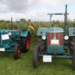 Hanomag R35 (left) and Robust
