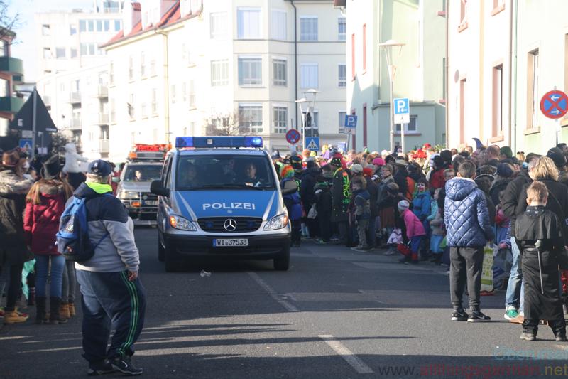 Police lead the 2017 Carnival Procession in Oberursel