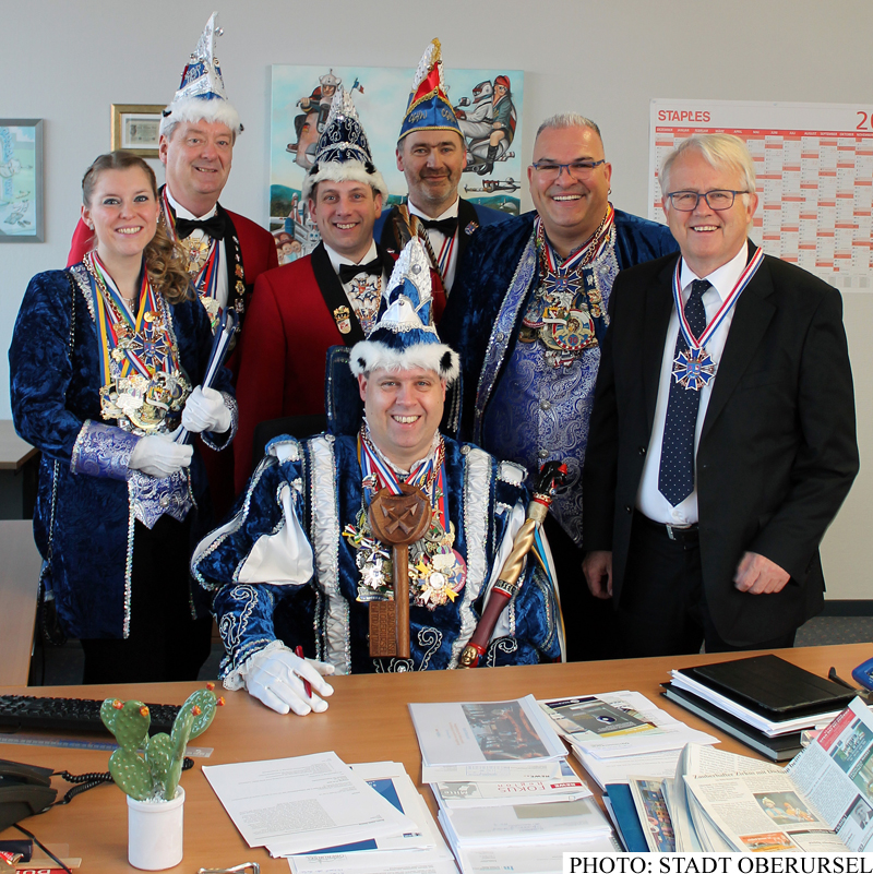 Prinz Karsten I. in the Mayor's Office with Hans-Georg Brum