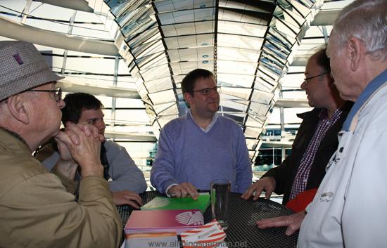 Dr. Stefan Ruppert (MdB) answering questions at the Bürgersprechstunde