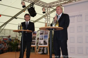 Ministerpräsident Volker Bouffier and Statesecretary Michael Bußer answer questions at the Hessentag in Oberursel