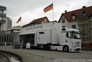 The Bundestag-Mobil on the Epinayplatz in Oberursel