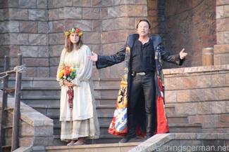 Wolfgang Lippert singing inside the Stockholm set