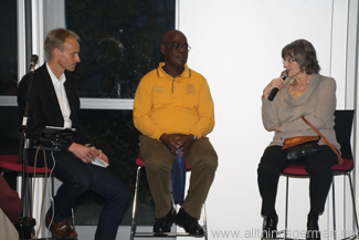 Brigitte) und Alex Danquah (right and centre) talking about their experiences in Ghana