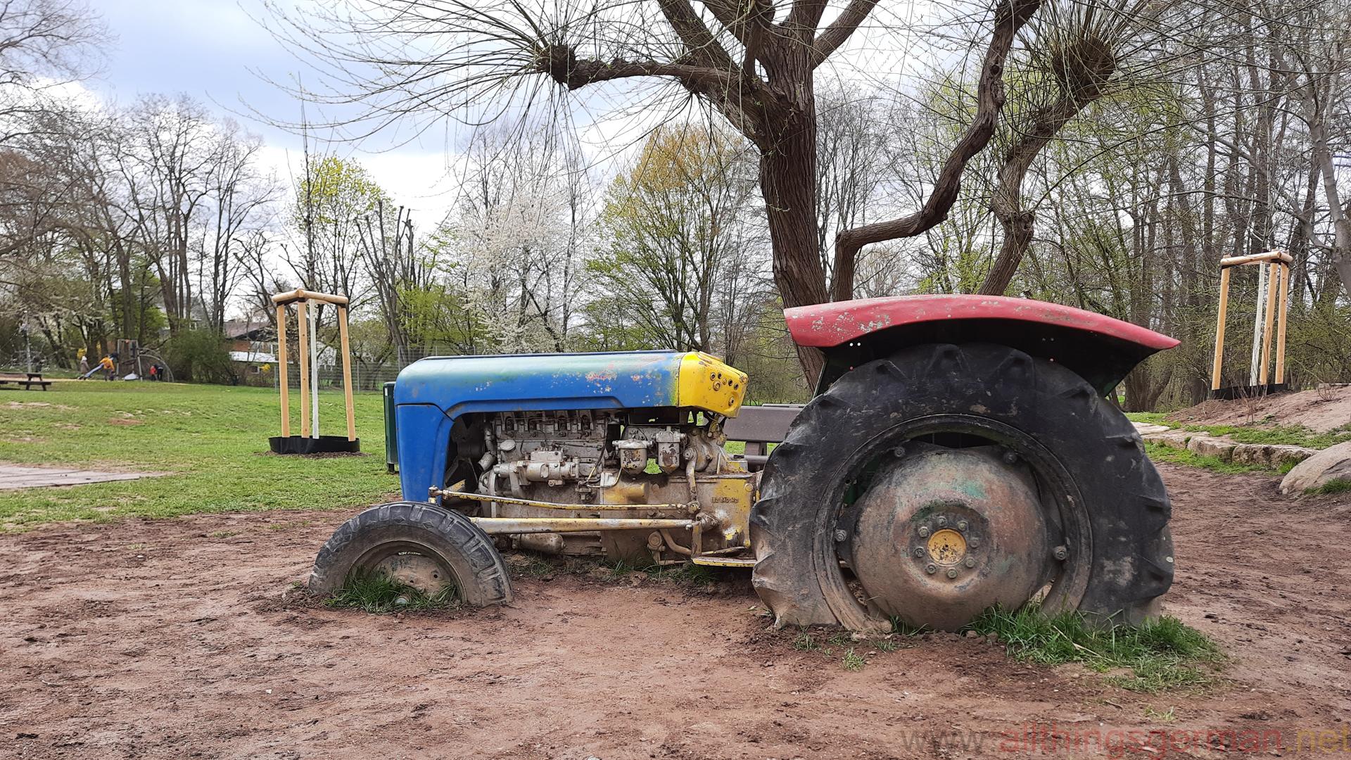 The tractor at the Traktorspielplatz in Niederhöchstadt
