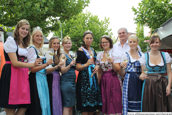 Wine queens from the Rheingau Region at the opening of the wine festival in Oberursel