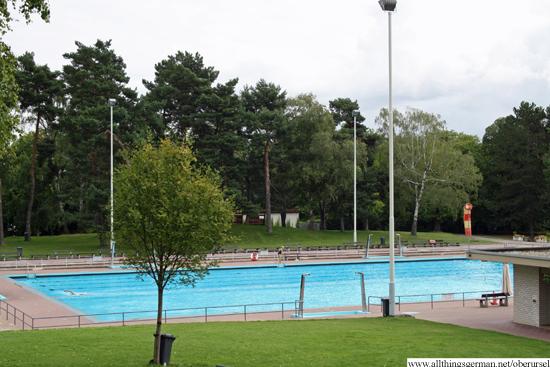 Oberursel's outdoor pool one day before it closed in 2012