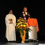 Daniele Dere (catholic) and Roland Gehlen (evangelical) blessing the new buildings