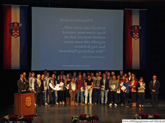 Young people who have turned 18 were given their Bürgerbrief at the Stadthalle