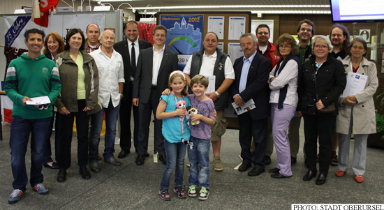 Alderman Christof Fink with some of the Stadtradeln participants (Photo: Stadt Oberursel)