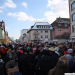 Crowds at the Epinay-Platz before the procession