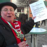 Local comedian Schüssel prepares to commentate on the procession