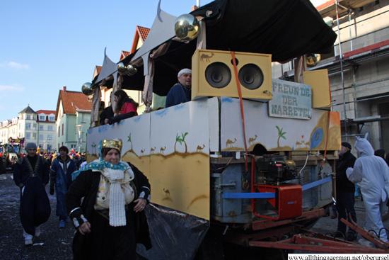 Freunde der Narretei Stierstadt - In Orschel ist ein neuer Trend, wir feiern Fasching wie im Orient
