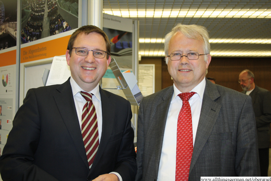 Dr. Stefan Ruppert (MdB) with Mayor Hans-Georg Brum in the town hall foyer