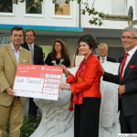 The Taunus Sparkasse presenting the cheque