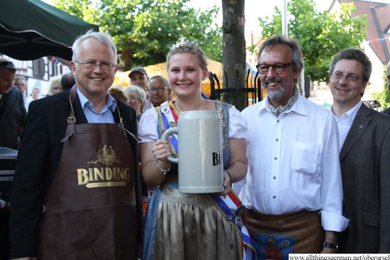 Mayor Hans-Georg Brum with Carolyn II, Harald Pratt and Alderman Christof Funk