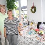 Heide Kruch and Rosamarie Gab from the Kreativgruppe