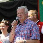 Mayor Hans-Georg Brum welcomes the guests