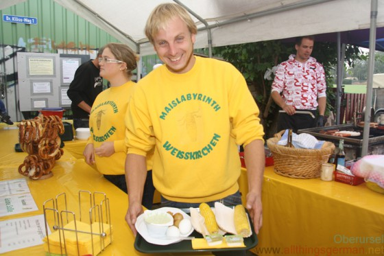 Florian Bickert served the guests green sauce with potatoes and eggs