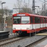 Nr. 305 (towing 304 and 303) enters Heddernheimer Landstrasse