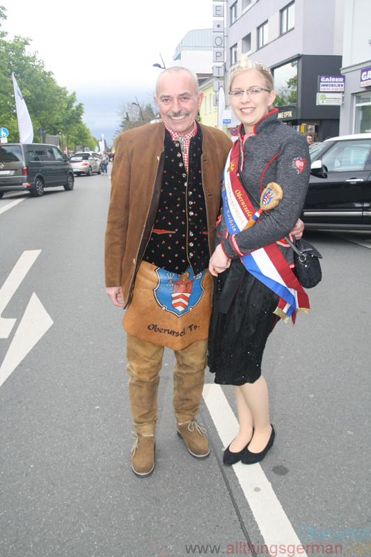 Ann Katrin I. and Rainer at Autos in the Allee