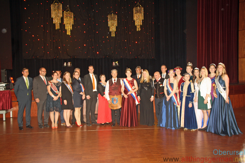 Anna-Lena I. with Herbert, Ann-Kathrin I. and other ex-Queens and visiting dignitaries