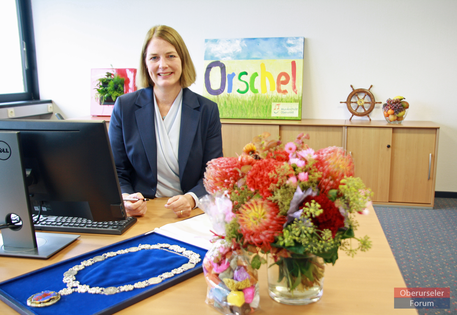 Antje Runge has started her official duties in the Oberursel Rathaus as the town's new Mayor.